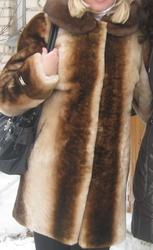 Продам мутоновую шубу. Цвет бежево - коричневый. Размер 46.